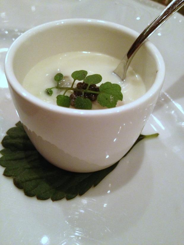 «La Ratte» Potato Vichyssoise, Kumomoto Oyster, White Sturgeon Caviar